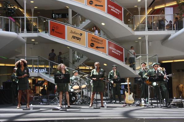 notre groupe de jazz au centre commercial lyon Part Dieu